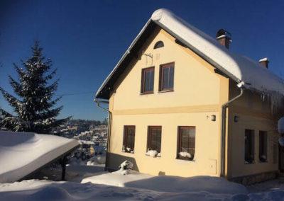 exterier ubytovani v soukromi winter apartment ve vrchlabi v zimni sezone